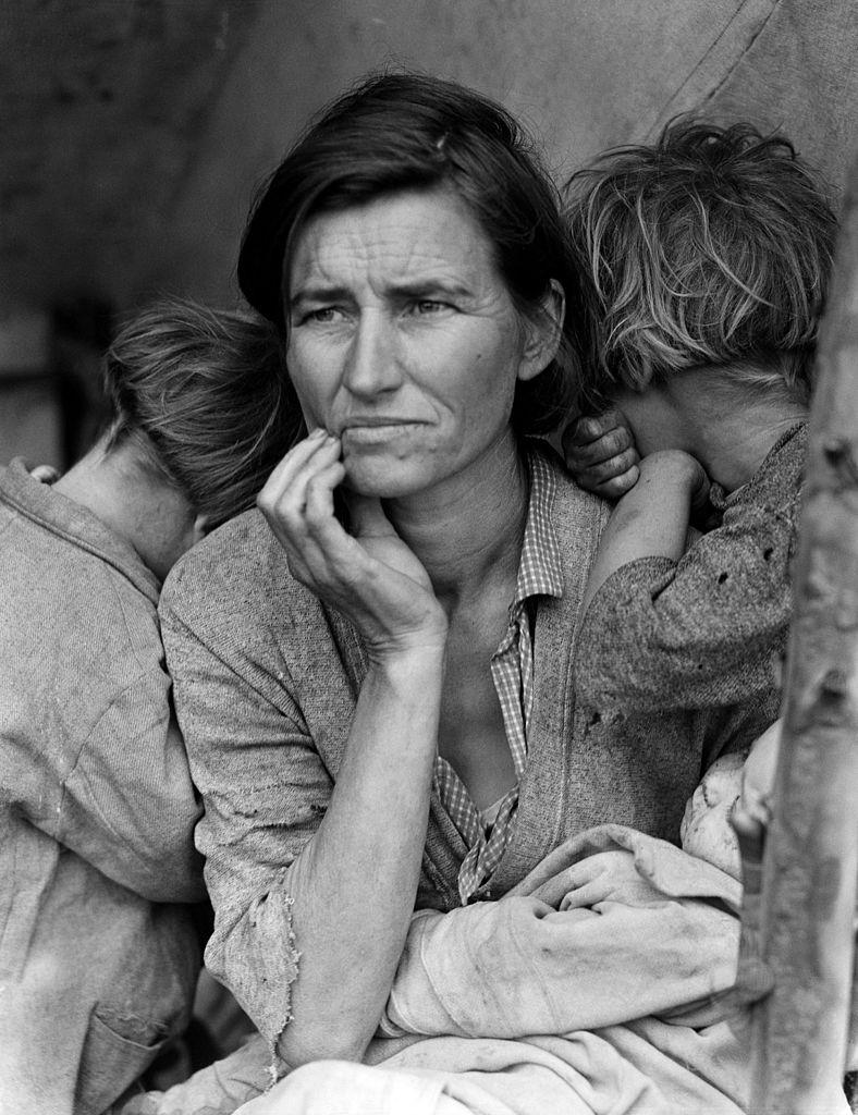 (c) Dorothea Lange – Migrant Mother (1936)